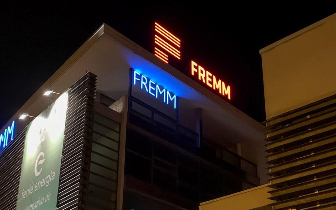 El rótulo de FREMM: Una luz más allá de la vista